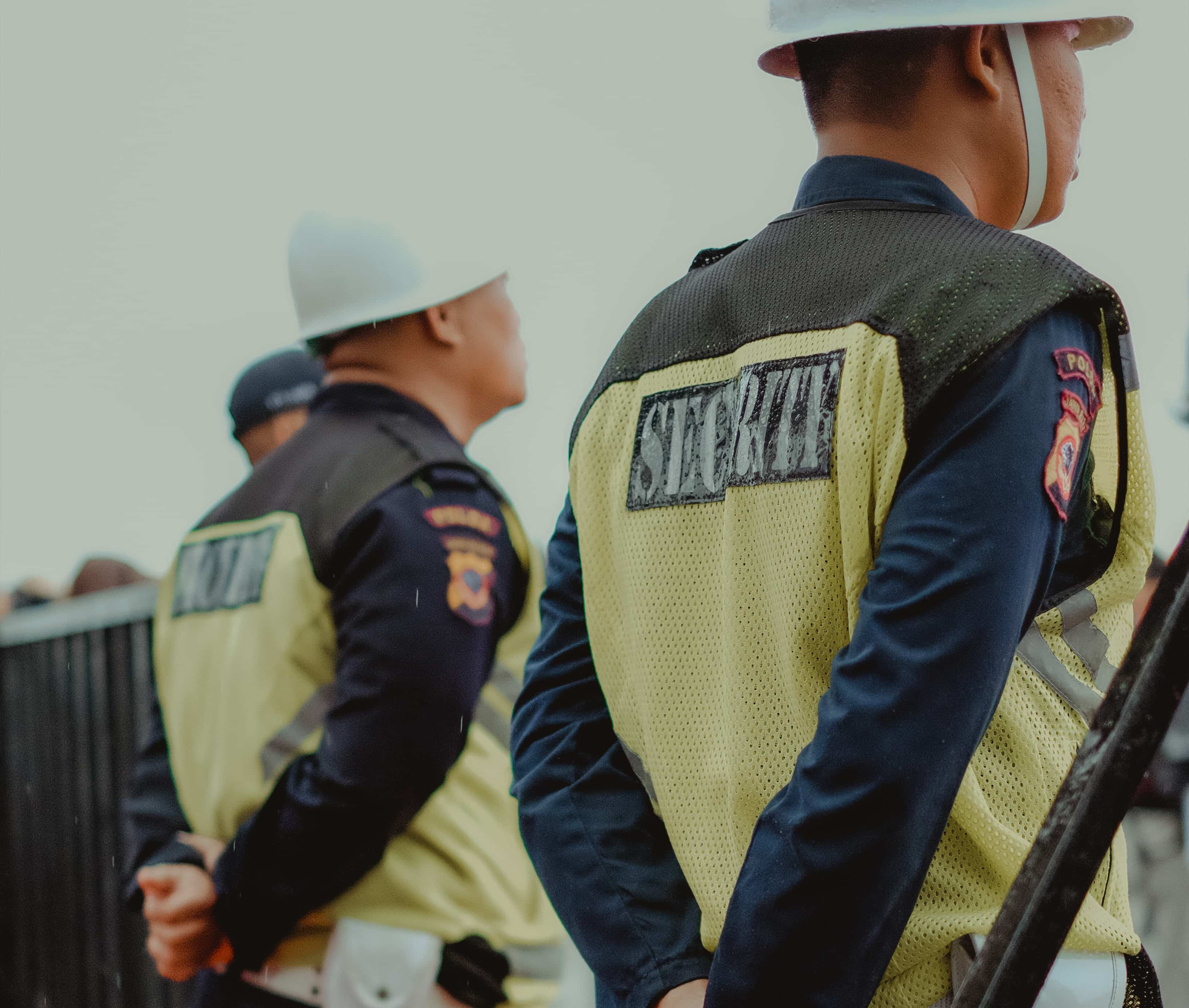 Vigilantes y controladores de acceso para eventos