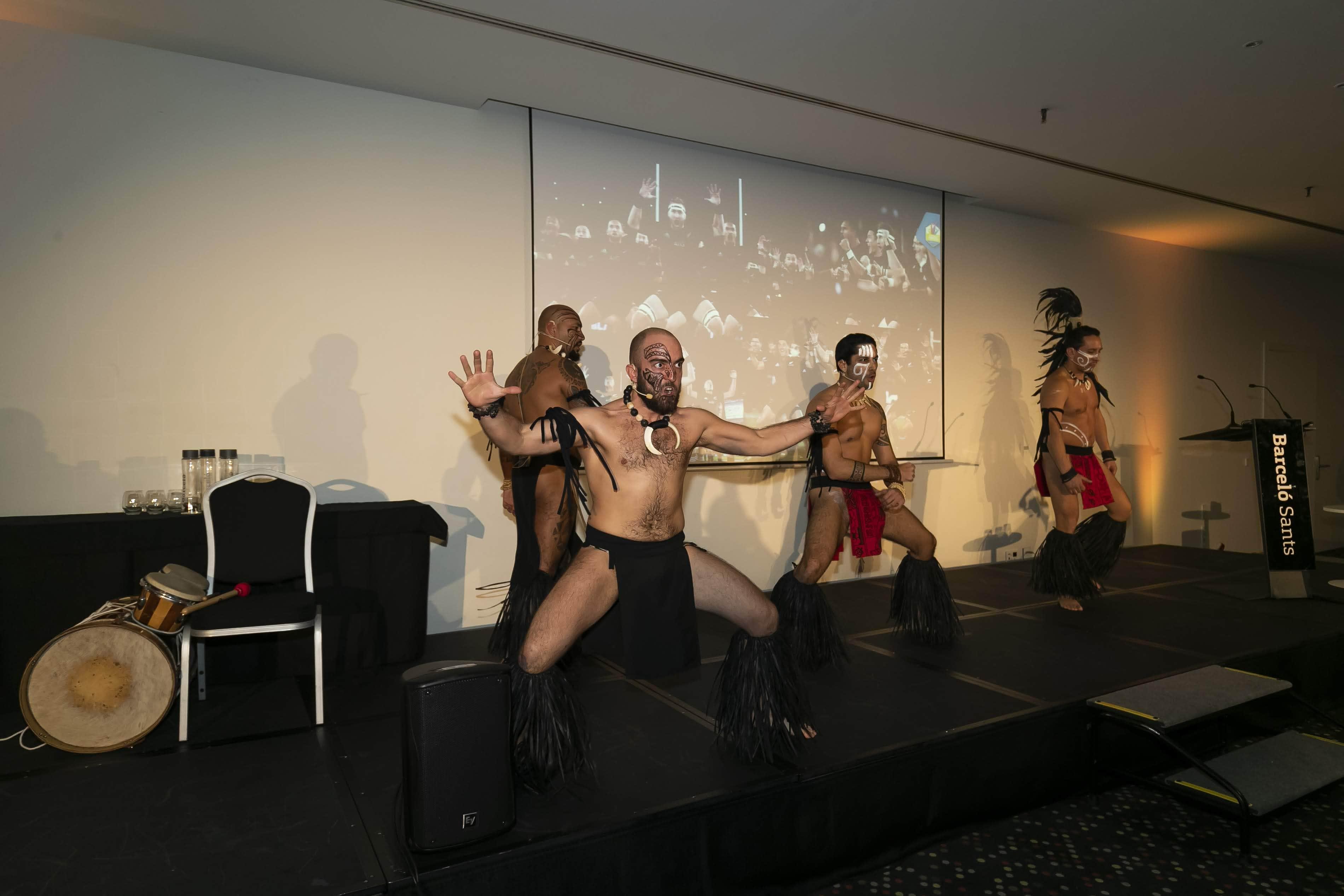 bailarines haka - arag